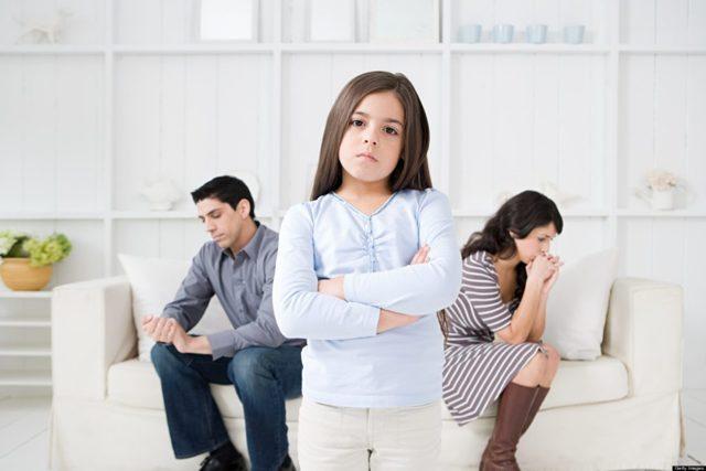 Как через суд выписать несовершеннолетнего ребенка из квартиры собственника