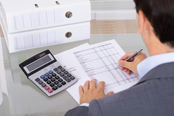 Можно ли налоговый вычет получить на карту супруга