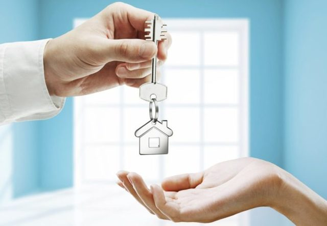 Можно ли при продаже квартиры выписаться